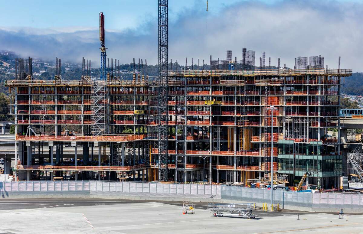 The Grand Hyatt at SFO will top out at 12 stories and should open in the summer of 2019.