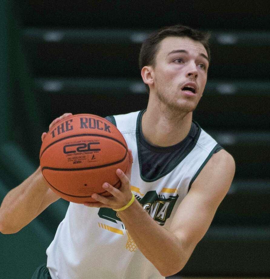 Jimmy Ratliff takes a shot during open practice for the Siena College Men's Basketball Team at the Alumni Recreation Center on the Siena Campus Tuesday Oct. 2, 2018 in Loudonville, N.Y. (Skip Dickstein/Times Union) Photo: SKIP DICKSTEIN / 20044987A