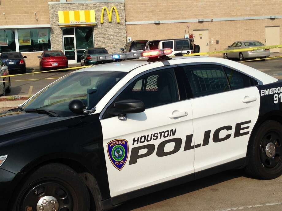 The new police salary deal grants officers a 4 percent raise July 1, 2019, and a 3 percent raise the following year. >>See where Houston ranks compared to other cities when it comes to pay for certain jobs... Photo: Mike Glenn / Mike Glenn / Houston Chronicle