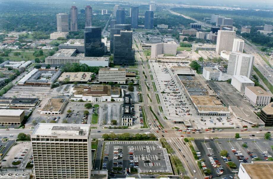 March 1993: Looking north down Post Oak Blvd. from the Transco Tower. The Westin Oaks Hotel at The Galleria complex is at lower left. Sakowtiz store is at center left and 610 West Loop is at far right. Photo: Nuri Vallbona/Houston Chronicle