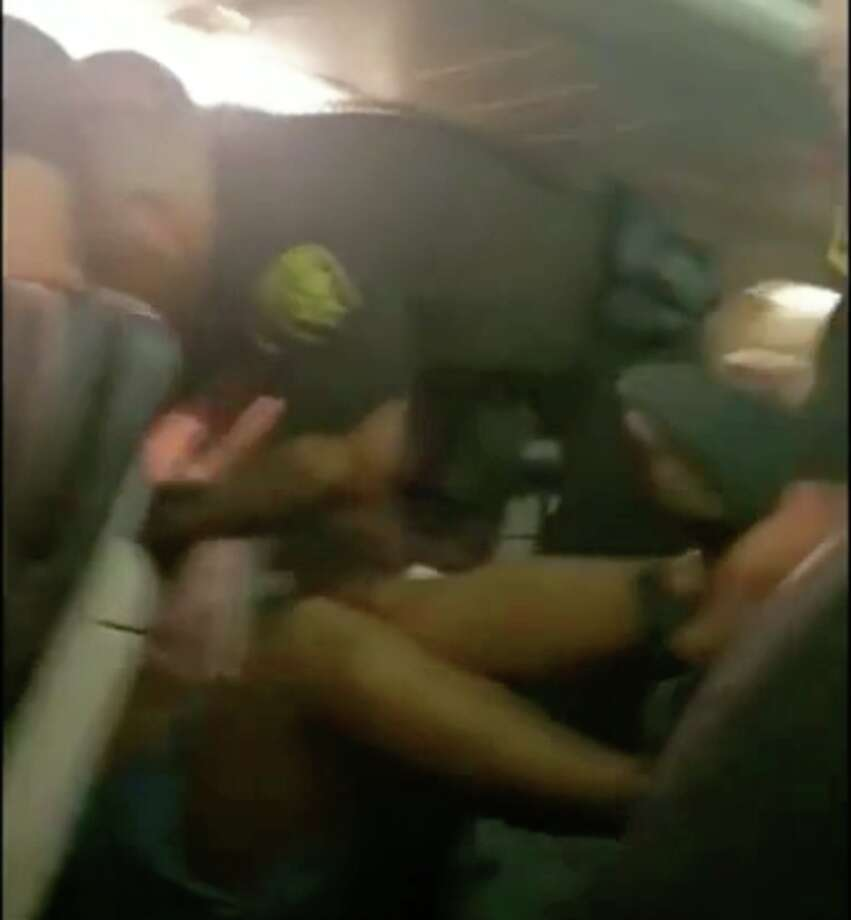 An unruly passenger was violently removed from an Alaska Airlines flight from Oahu to San Francisco on Thursday, Sept. 27. Photo: Lindsey Babb