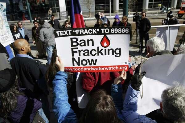 Houston oil companies fight anti-fracking measure in