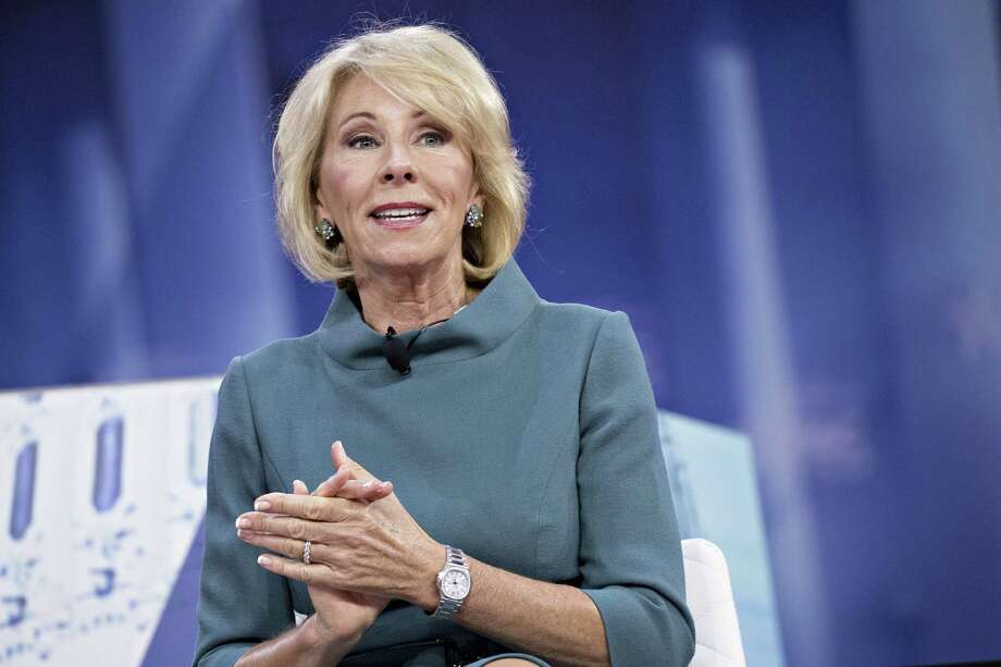 Education Secretray Betsy DeVos speaks during a discussion at the Conservative Political Action Conference (CPAC) in National Harbor, Maryland, U.S., on Feb. 22, 2018. Photo: Bloomberg Photo By Andrew Harrer. / © 2018 Bloomberg Finance LP