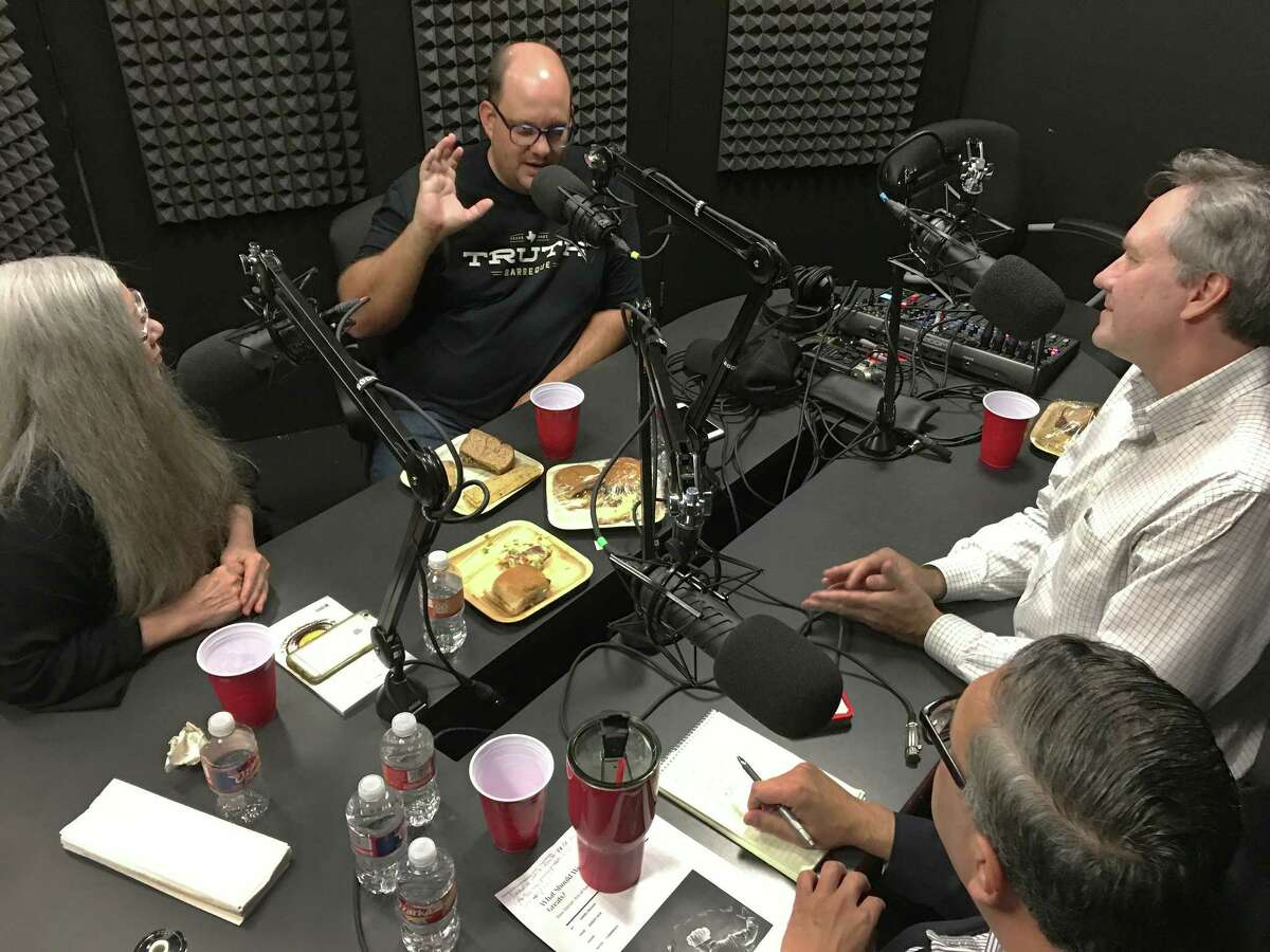 Texas Monthly Barbecue editor Daniel Vaughn joins Alison Cook, Greg Morago and J.C. Reid for an episode of BBQ State of Mind in the Houston Chronicle studio On the table is the (uneaten) plant-based barbecue from Rice University that was discussed on the episode.