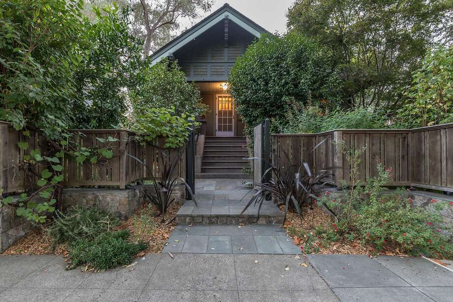 A pedestrian gate waits before the Craftsman home at 345 Randolph St. in downtown Napa. Photo: Darren Loveland