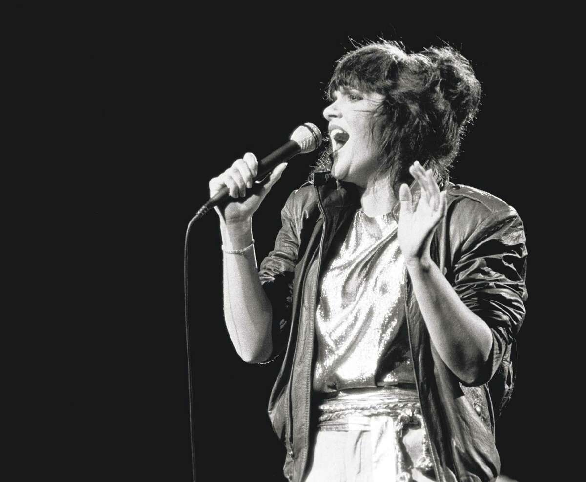 """Linda Ronstadt proved a hit in """"The Pirates of Penzance."""""""