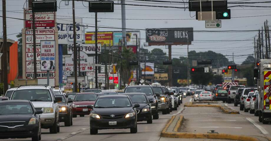 Traffic stacks up on FM 1960 between Ella Blvd. and Kuykendahl Road. Photo: Mark Mulligan/Staff Photographer