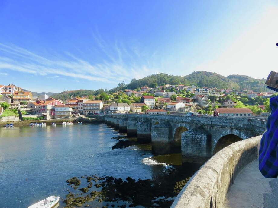 Roman bridge of Ponte Sampaio, Pontevedra over the Rio (river) Verdugo in the province of Ponteverda. The bridge is open to walkers and cars, but cars only in one direction at a time. (Photo by Cecily Bailey)