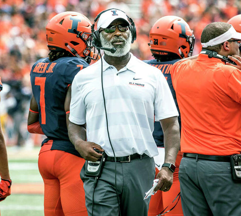 Illinois coach Lovie Smith's team will play at Ritgers Saturday in a matchiup of rebuilding Bog Ten teams. He is shown on the sideline during the season opener against Kent State in Champaign. Photo: AP Photo