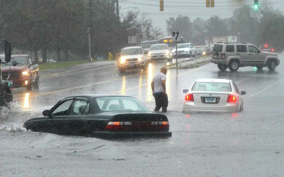 Flooding on Connecticut Avenue in Norwalk on Sept. 25, 2018. Photo: Alex Von Kleydorff / Hearst Connecticut Media / Norwalk Hour
