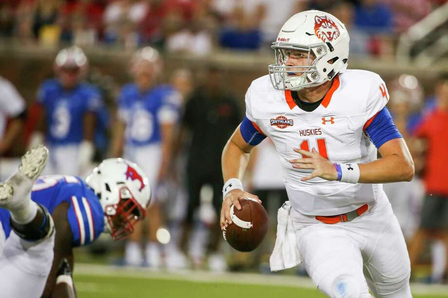 photos most expensive college football teams houston baptist quarterback bailey zappe 4 looks - Christmas Day College Football