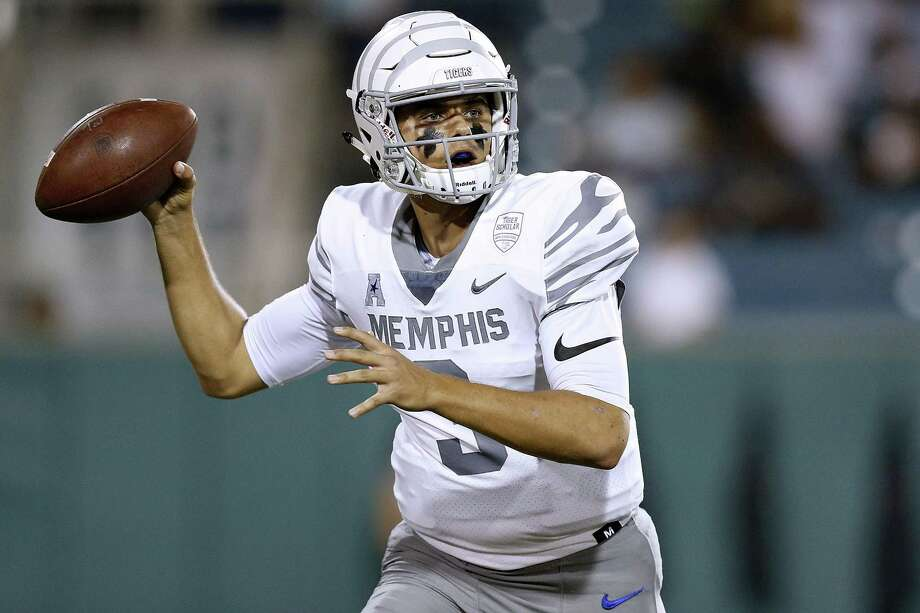 Memphis' Brady White throws the ball during last week's game against Tulane. Photo: Jonathan Bachman / Getty Images / 2018 Getty Images