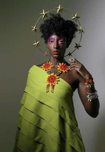 Houston Fashion Designer Enid Almanza Has A Flair For The Dramatic Houstonchronicle Com
