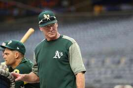 Bob Melvin, the manager of the Oakland Athletics, during batting practice at Yankee Stadium in New York, Oct. 2, 2018. Melvin has spent plenty of time in Manhattan, where he developed both a taste for fine foods and, perhaps, a willingness to adopt new ideas. (Chang W. Lee/The New York Times)