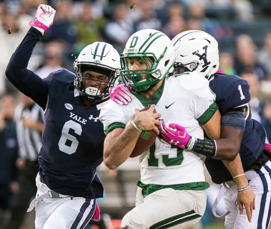 (John Vanacore/For Hearst Connecticut Media) The Yale Bulldogs hosted the Big Green of Dartmouth under the lights at Yale Bowl Friday, October 5, 2018. Photo: John Vanacore, John Vanacore/For Hearst Connecticut Media / (c)John H.Vanacore/For Hearst Connecticut Media