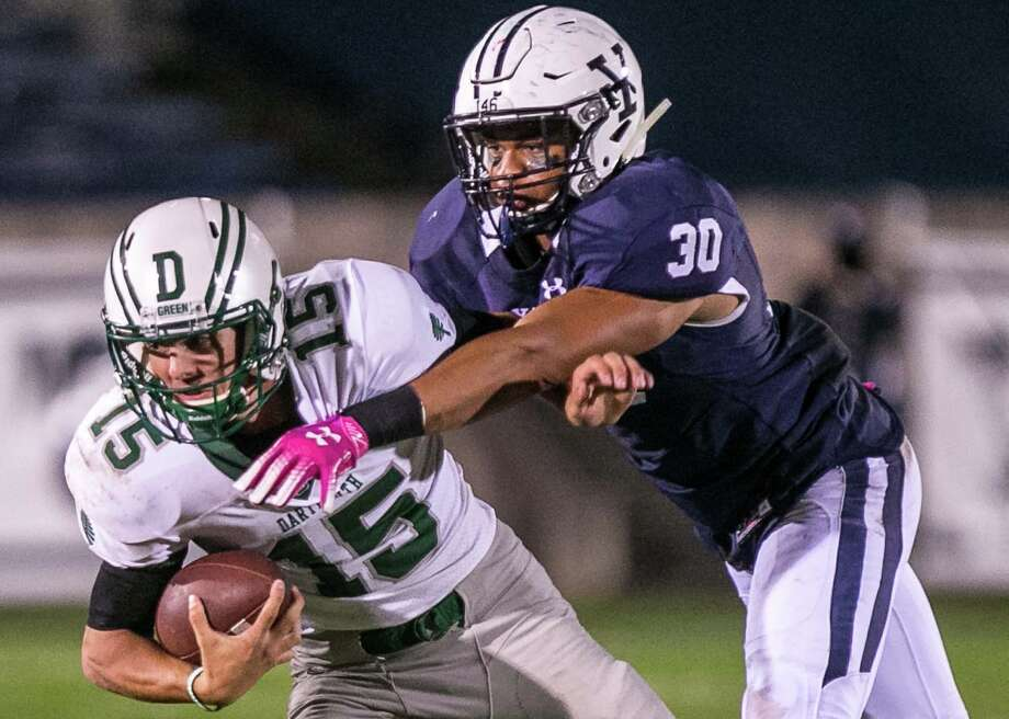 (John Vanacore/For Hearst Connecticut Media) The Yale Bulldogs hosted the Big Green of Dartmouth under the lights at Yale Bowl Friday, October 5, 2018. Photo: John Vanacore / (c)John H.Vanacore/For Hearst Connecticut Media