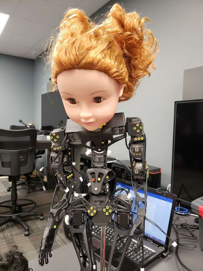 Poppy the Robot comes to life as HCC builds its first robot