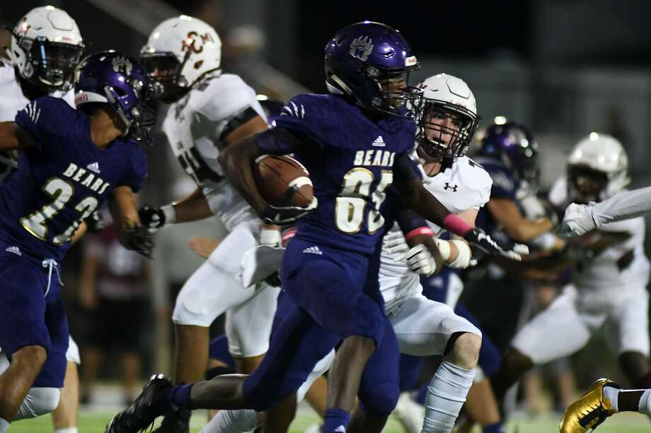 Montgomery sophomore wide receiver Tre Harden (85) gets yardage upfield on a Bears kickoff return against A&M Consolidated in the 1st quarter of their District 10-5A matchup at Bear Stadium in Montgomery on Friday, Oct. 5, 2018. Photo: Jerry Baker, Houston Chronicle / Contributor / Houston Chronicle