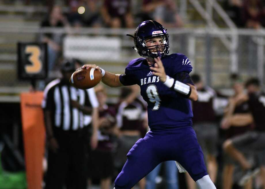 Montgomery freshman quarterback Brock Bolfing, shown here earlier this month against A&M Consolidated, threw three touchdown passes Friday night against Lamar Consolidated. Photo: Jerry Baker, Houston Chronicle / Contributor / Houston Chronicle