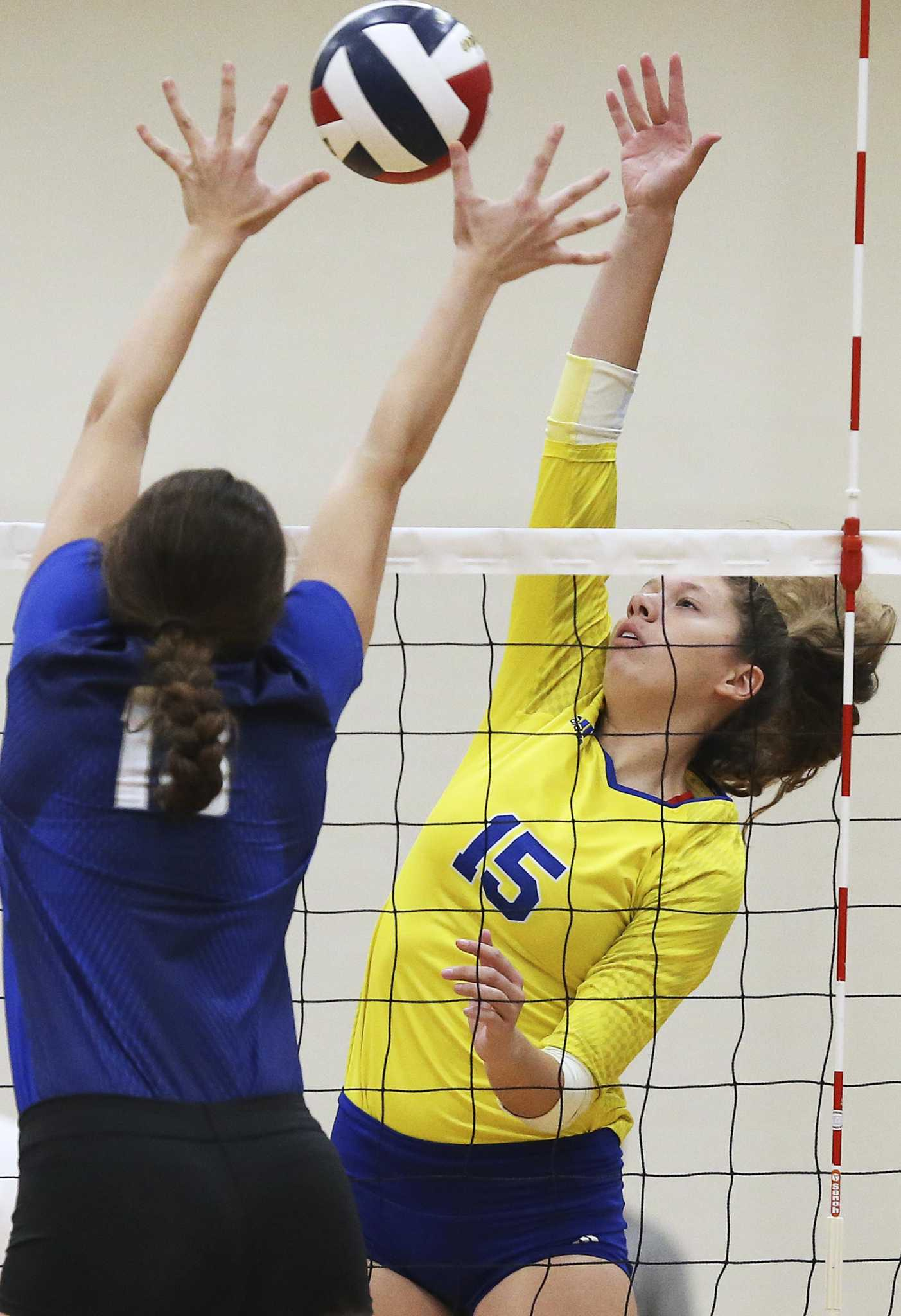 Volleyball: Clemens tops rankings, while senior Shelby O'Neal claims player of the week