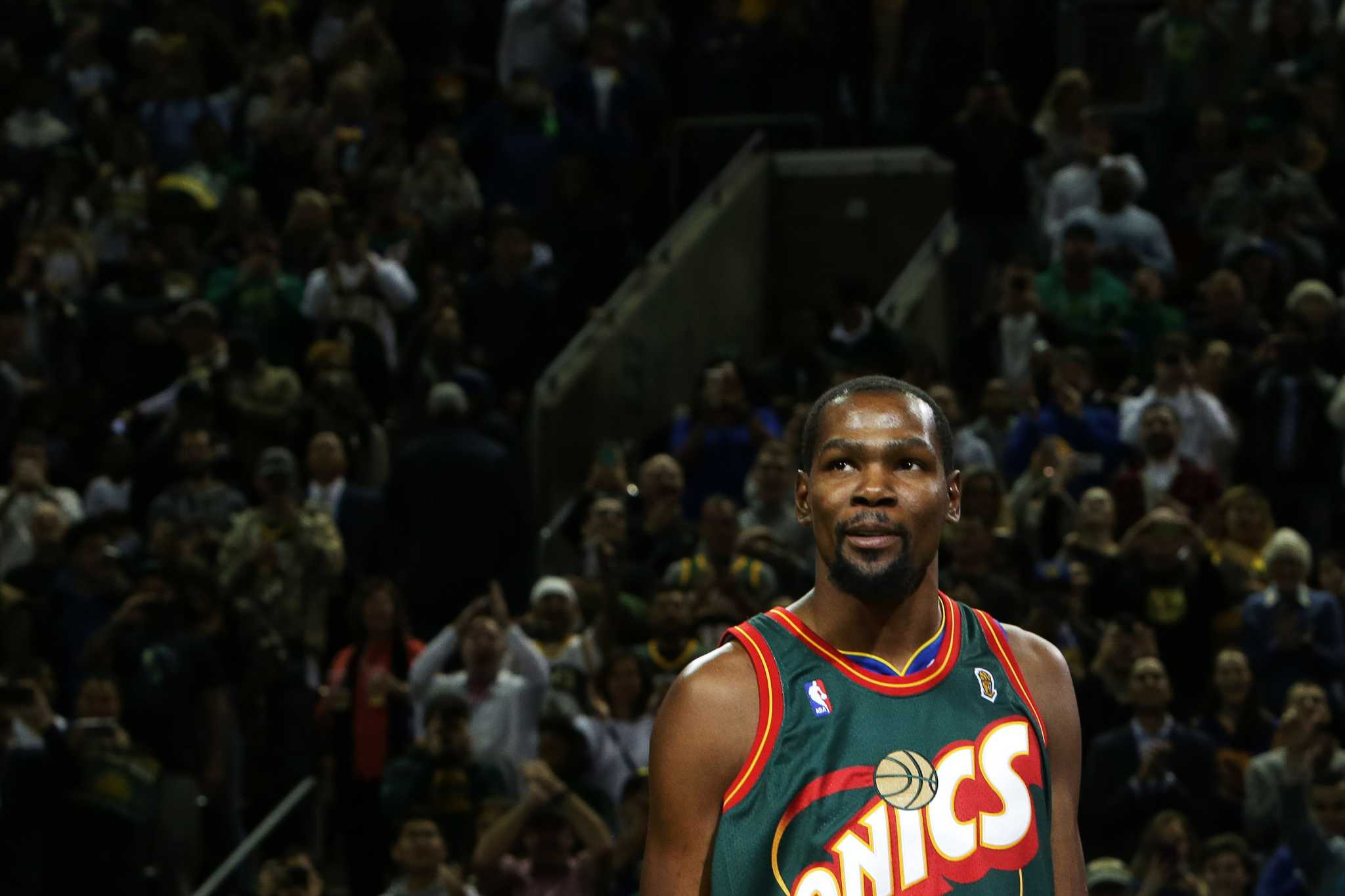 5ae20f807fd Warriors  Kevin Durant dazzles in return to Seattle - seattlepi.com