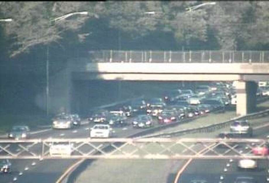 The area of I-95 south between exits 16 and 17 in Norwalk, where a disabled vehicle closed a lane of traffic around 5:18 p.m. Sunday, Oct. 7, 2018. Photo: Contributed / Connecticut Department Of Transportation