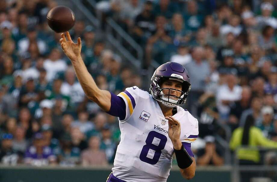 Vikings quarterback Kirk Cousins outdueled Eagles QB Carson Wentz, throwing for 301 yards and a touchdown Sunday in Philadelphia. Photo: Jeff Zelevansky / Getty Images