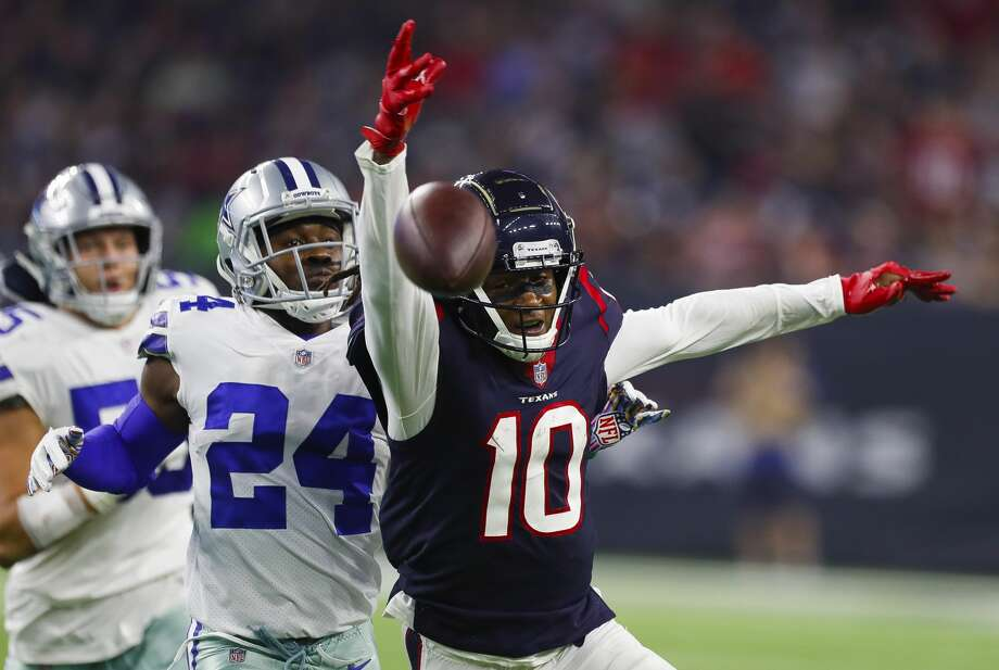Houston Texans wide receiver DeAndre Hopkins (10) can't get to a pass during the second quarter of an NFL football game at NRG Stadium on Sunday, Oct. 7, 2018, in Houston. Photo: Brett Coomer/Staff Photographer
