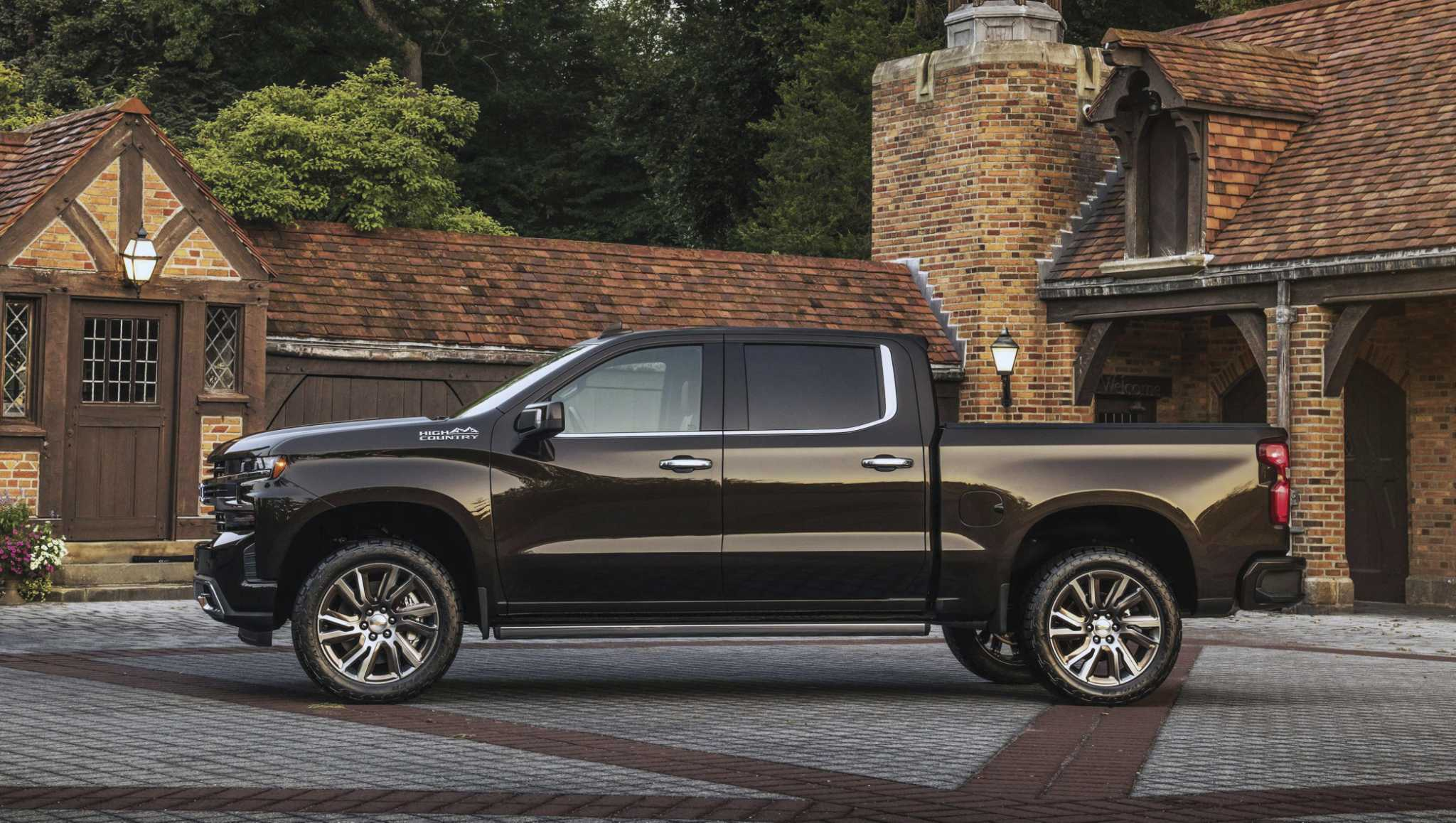 Automakers debut their newest pickups, SUVs at Texas State Fair