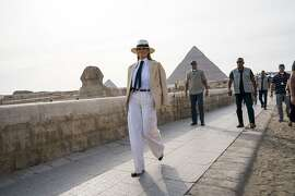 First lady Melania Trump visits the Egyptian pyramids and Sphinx during her seven-day trip to Africa, in Cairo, Oct. 6, 2018. (Doug Mills/The New York Times)