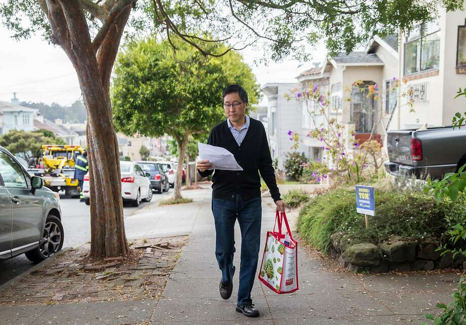 San Francisco District Four supervisor candidate Gordon Mar walks along 22nd Avenue while canvasing in the Sunset on Sept. 15, 2018. Photo: Jessica Christian / The Chronicle