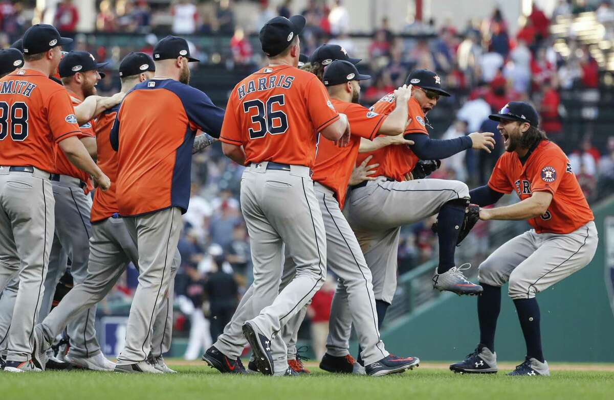 PHOTOS: The best Astros photos from the 2018 season The Astros' playoff share came out to $154,654.06 each, while the world champion Red Sox got full shares of $416,837.72.