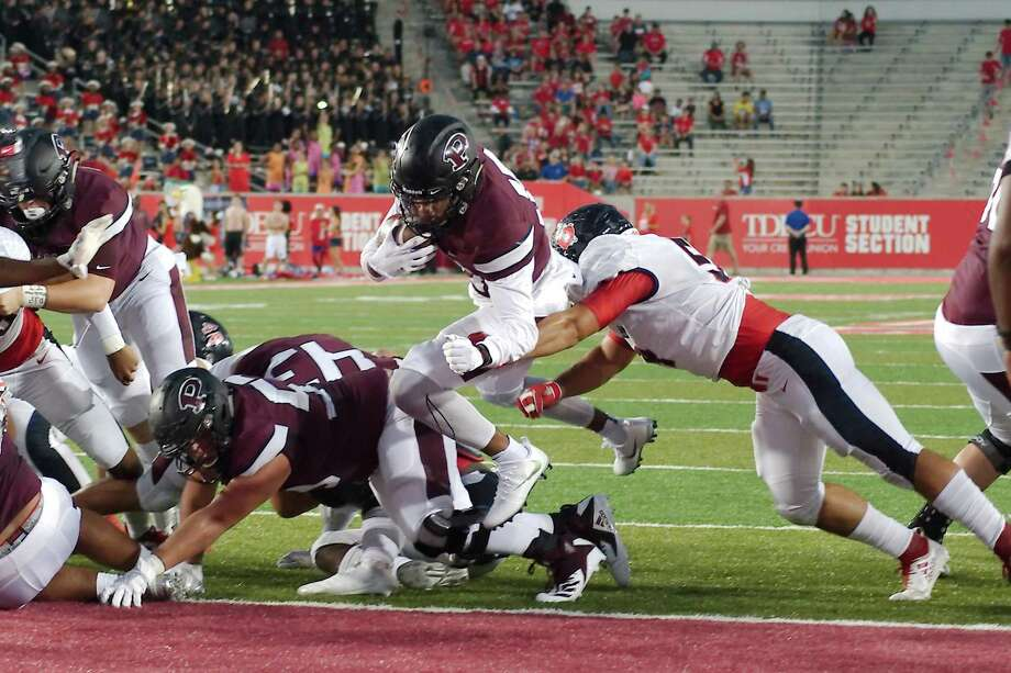 Pearland and Dawson, shown playing last year at the University of Houston, host scrimmages this week at Pearland Stadium. The Oilers test Westfield at 7 p.m., Thursday while the Eagles take on Clear Brook at 7 p.m., Friday. Photo: Kirk Sides / Houston Chronicle / © 2018 Kirk Sides / Houston Chronicle