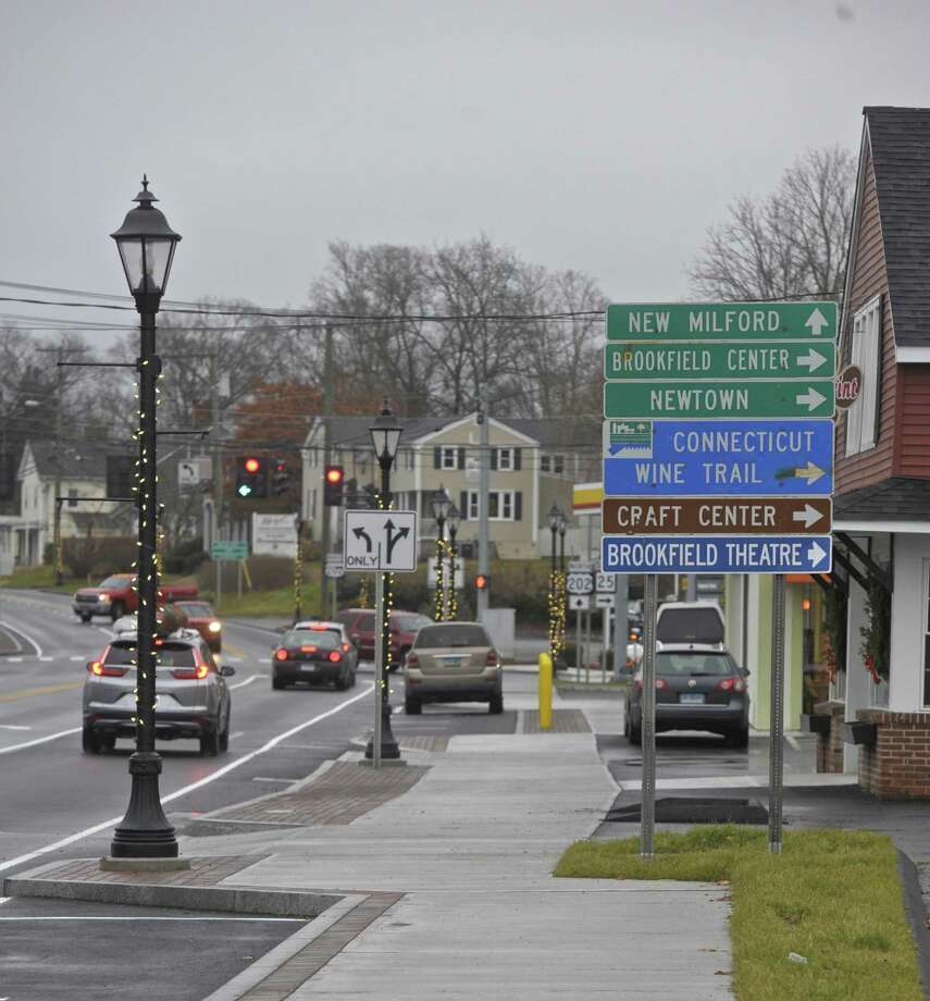 The streetscape work is finishing in the Four Corners area of Brookfield. Tuesday, December 5, 2017, in Brookfield, Conn. Photo: H John Voorhees III / Hearst Connecticut Media / The News-Times