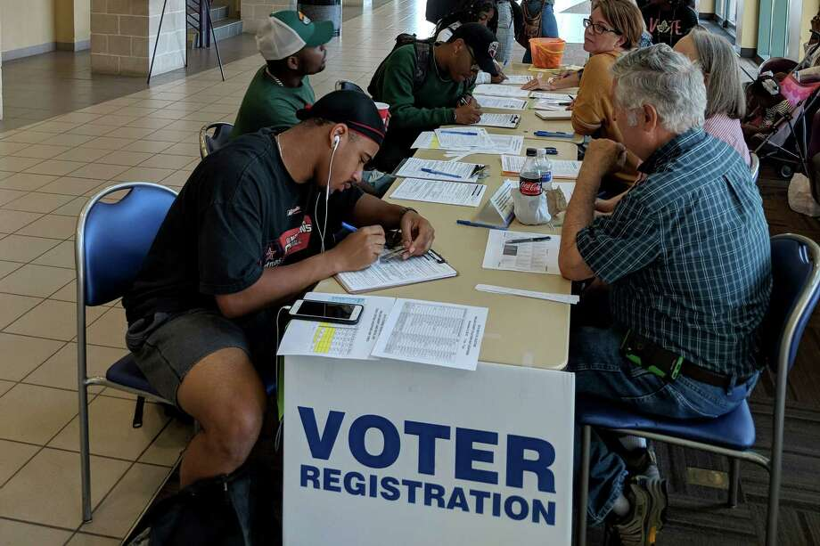 Prairie View A&M University students register to vote on Tuesday, the deadline to be able to cast a vote in the November election in Texas. Photo: Matt Dempsey, Staff / © 2018 Houston Chronicle