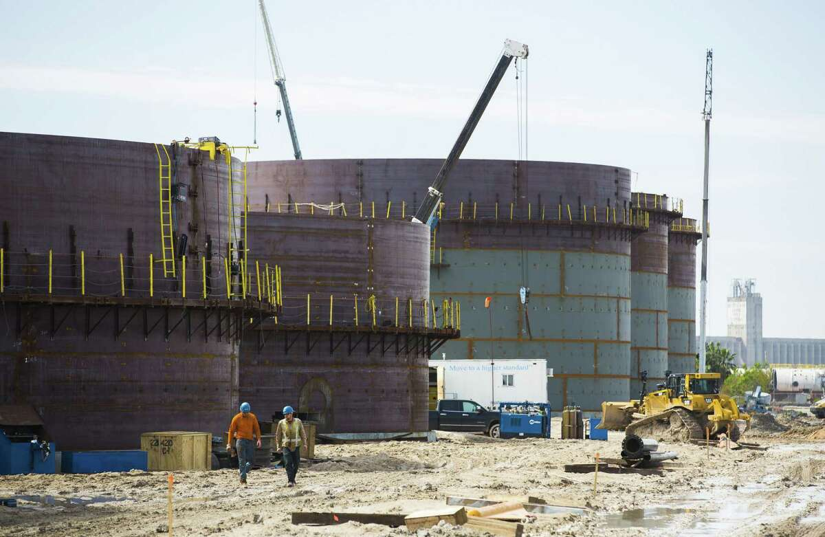 New oil storage tanks are built for an additional oil export facility at the Port of Corpus Christi. Multiple offshore crude oil loading terminals have been proposed along the Texas Gulf Coast, while others want to add the capacity to laod Very Large Crude Carriers or VLCCs, among the largest crude oil tankers with 2 million barrels of capacity.