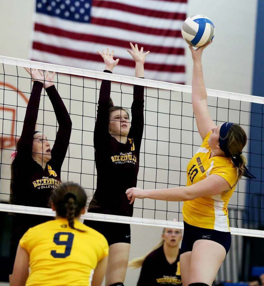 Deckerville at North Huron — Volleyball Photo: Paul P. Adams/Huron Daily Tribune
