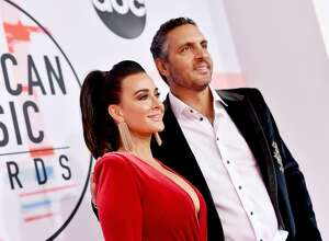 LOS ANGELES, CA - OCTOBER 09:  Kyle Richards (L) and Mauricio Umansky attend the 2018 American Music Awards at Microsoft Theater on October 9, 2018 in Los Angeles, California.  (Photo by Emma McIntyre/Getty Images For dcp)
