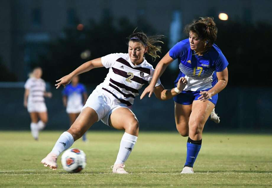 TAMIU Cio Bargallo keeps control of the ball during a game against St. Mary's University on Saturday, Oct. 6, 2018, at the TAMIU Soccer Complex. Photo: Danny Zaragoza /Laredo Morning Times