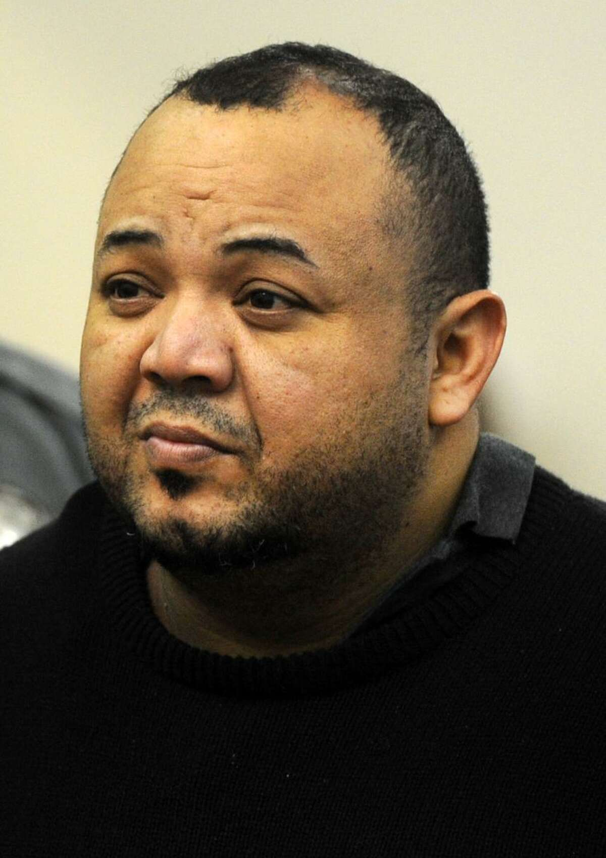 Oscar Hernandez faces Judge William Holden in Bridgeport Superior Court on Monday, April 10, 2017 in Bridgeport, Conn. Hernandez, 39, was arraigned on murder and kidnapping charges, his bond set at $2 million.