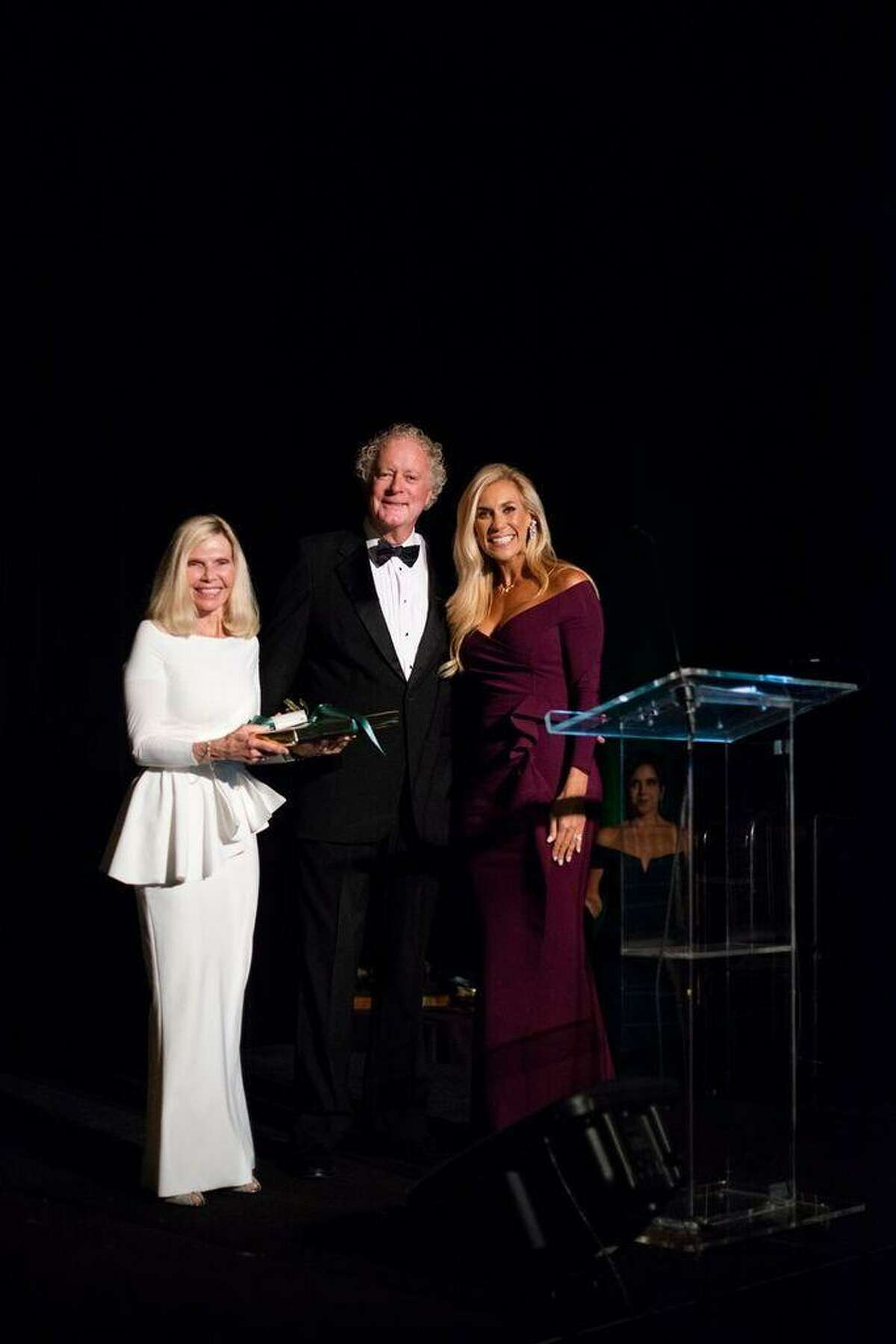 Honorary co-chairs, Ann and Jerry Snyder, with Interfaith of The Woodlands CEO Missy Herndon.
