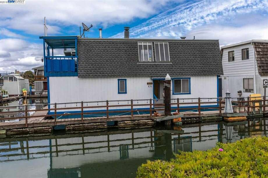 A houseboat in Alameda owned by Tom Hanks' father has just hit the market. Photo: Realtor.com