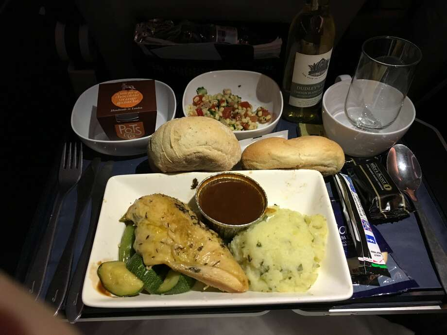 Premium economy dinner on British Airways Photo: Jason Vaudrey
