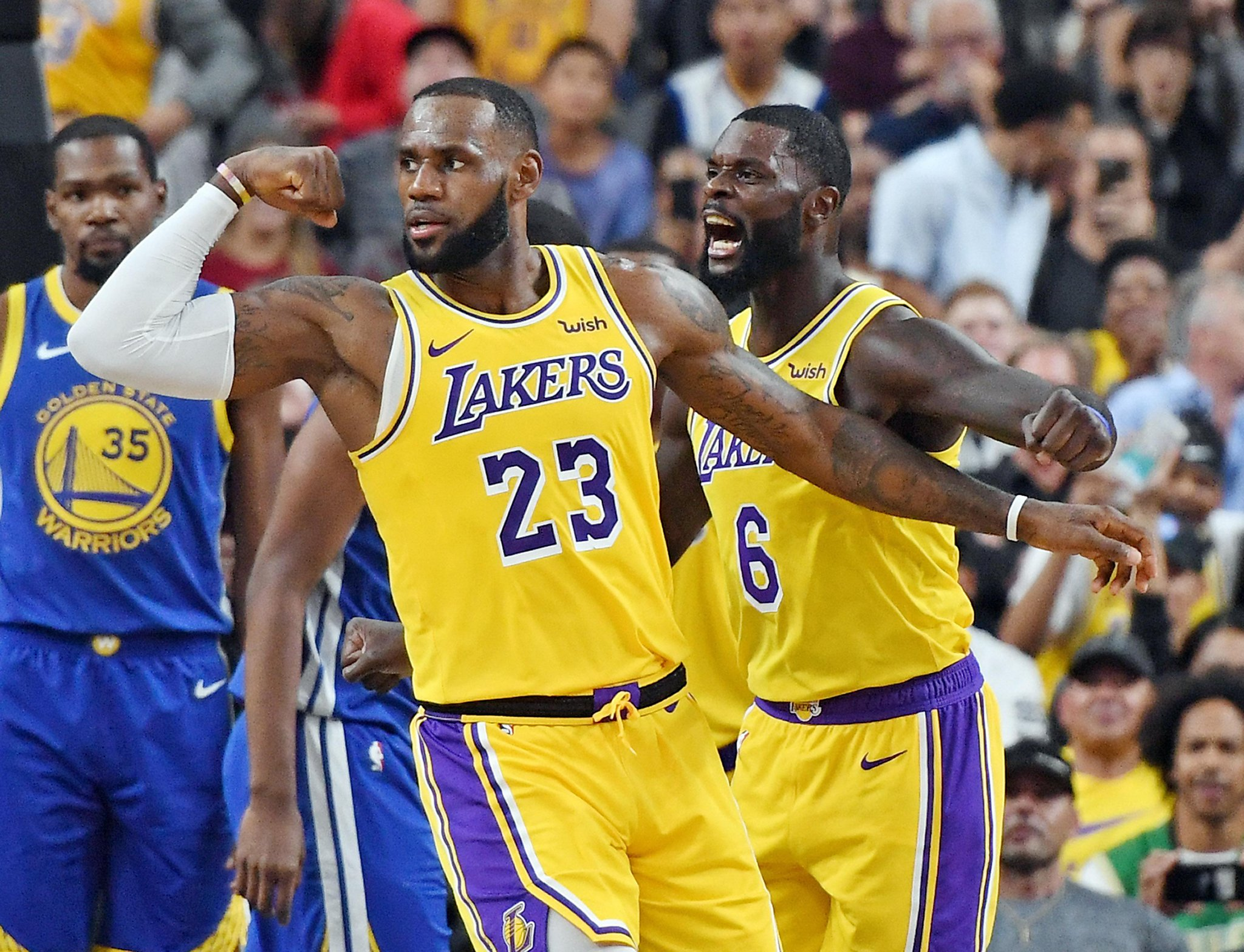 in first game against lebron james lakers warriors look the part
