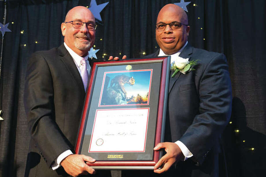 Greg Budzban, SIUE College of Arts and Sciences dean, left, and Roderick Nunn, SIUE Alumni Hall of Fame inductee. Photo: SIUE Photo