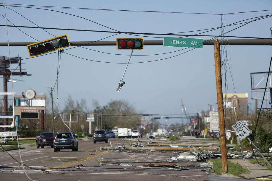Traffic lights are seen damaged after Hurricane Michael hit in Panama City, Florida, U.S., on Thursday, Oct. 11, 2018. The storm made landfall Wednesday in the Florida Panhandle, where most of the damage occurred. The storm brought winds of 155 miles (249 kilometers) per hour, the fourth-strongest hurricane ever to reach the U.S. mainland. Photographer: Luke Sharrett/Bloomberg Photo: Bloomberg News Service / © 2018 Bloomberg Finance LP