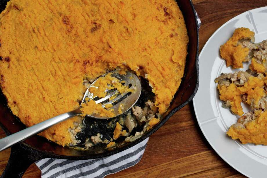 Turkey and Sweet Potato Skillet Pie. Photo for The Washington Post by Deb Lindsey. Food styling for The Washington Post by Bonnie S. Benwick Photo: Deb Lindsey, Food Styling For The Washington Post By Bonnie S. Benwick / Deb Lindsey for The Washington Post