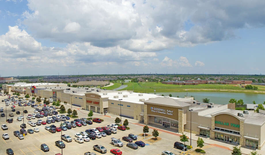 Fidelis Realty Partners purchased the Victory Lakes Town Center at the northeast corner of Interstate 45 and FM 646 in League City from InvenTrust Properties. Photo: Fidelis Realty Partners