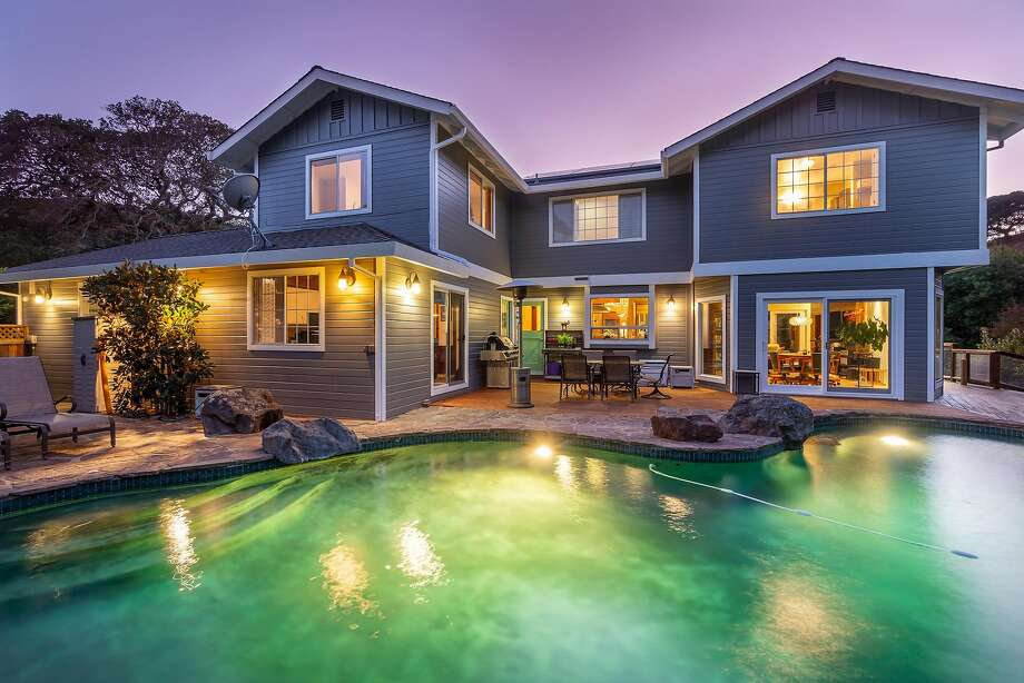 Updated contemporary with pool, hot tub in San Rafael