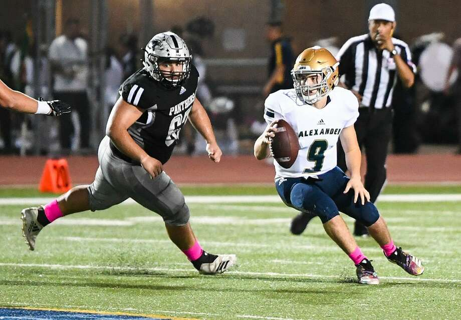Junior Rodriguez and Alexander host McAllen Memorial at 4 p.m. Saturday at the SAC while Jorge Garcia and United South open the playoffs on the road at 5 p.m. at PSJA North. Photo: Danny Zaragoza /Laredo Morning Times File